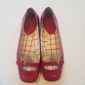 Coach Ellyce magenta patent leather flats